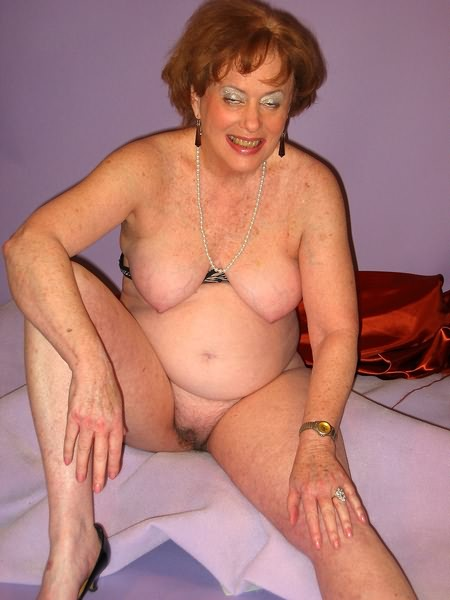 Mature women and grannies. Gallery - 319. Photo - 8