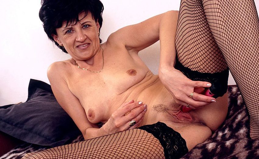 Mature women and grannies. Gallery - 320. Photo - 15