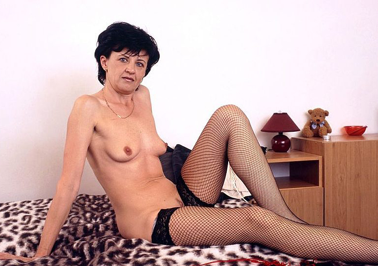 Mature women and grannies. Gallery - 320. Photo - 6
