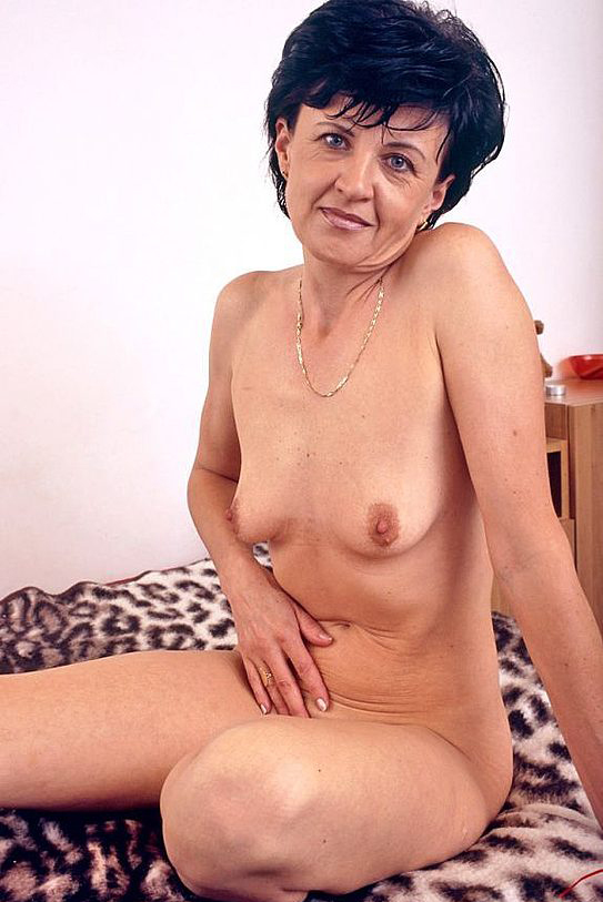 Mature women and grannies. Gallery - 320. Photo - 7