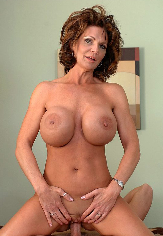 Mature women and grannies. Gallery - 324. Photo - 13
