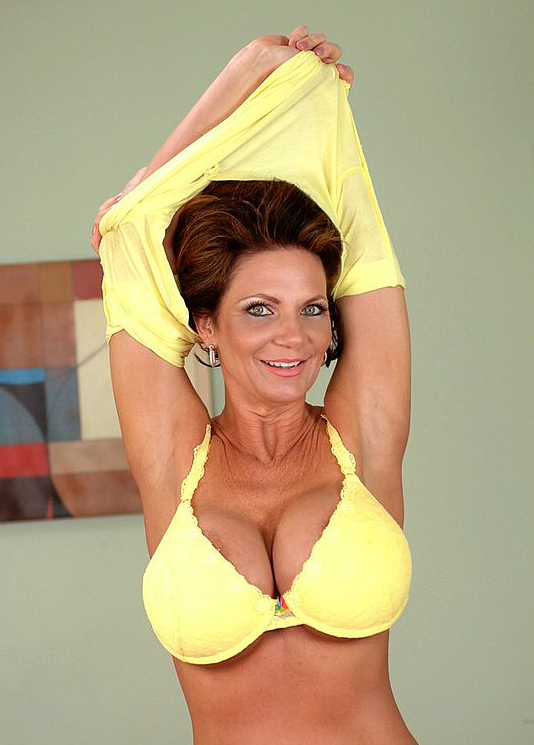 Mature women and grannies. Gallery - 324. Photo - 6