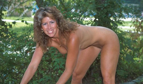 Mature women and grannies. Gallery - 325. Photo - 13