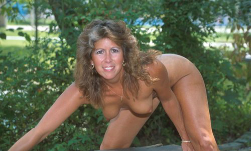 Mature women and grannies. Gallery - 325. Photo - 14