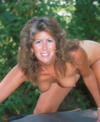 Mature women and grannies. Gallery - 325. Photo - 15
