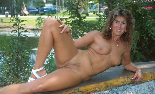 Mature women and grannies. Gallery - 325. Photo - 5