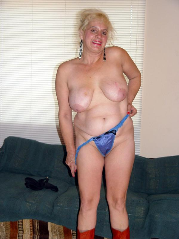 Mature women and grannies. Gallery - 329. Photo - 10