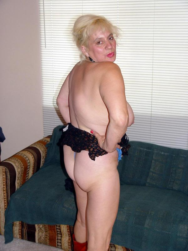 Mature women and grannies. Gallery - 329. Photo - 3