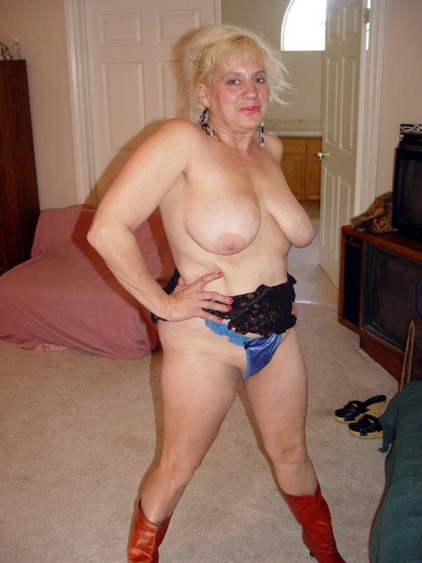 Mature women and grannies. Gallery - 329. Photo - 6