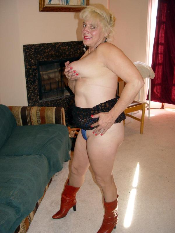 Mature women and grannies. Gallery - 329. Photo - 7