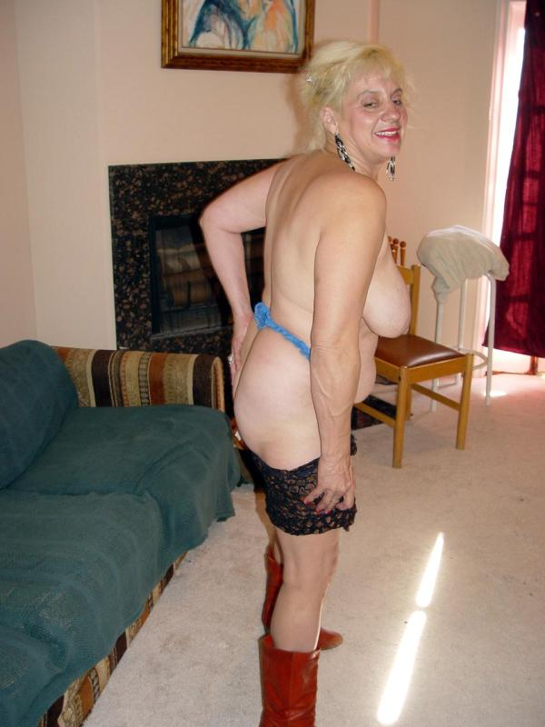 Mature women and grannies. Gallery - 329. Photo - 8