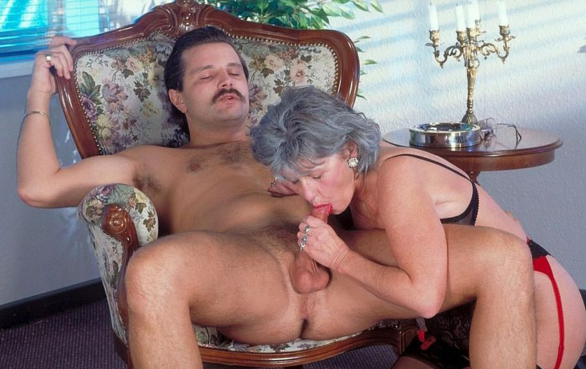 Mature women and grannies. Gallery - 330. Photo - 2