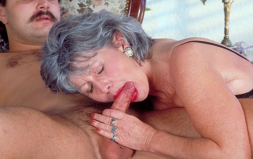 Mature women and grannies. Gallery - 330. Photo - 3