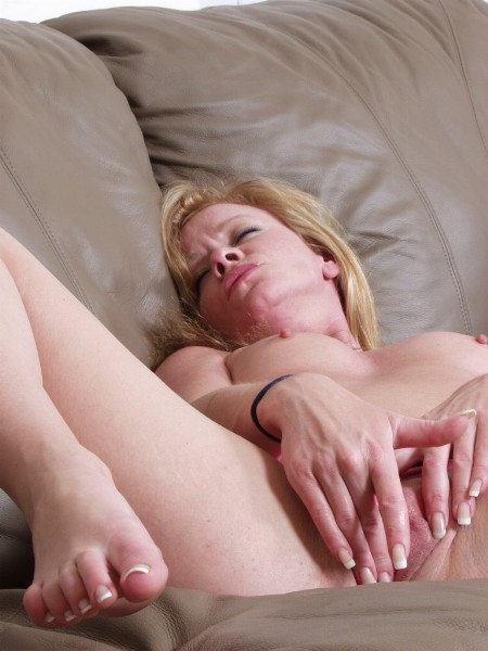Mature women and grannies. Gallery - 331. Photo - 7