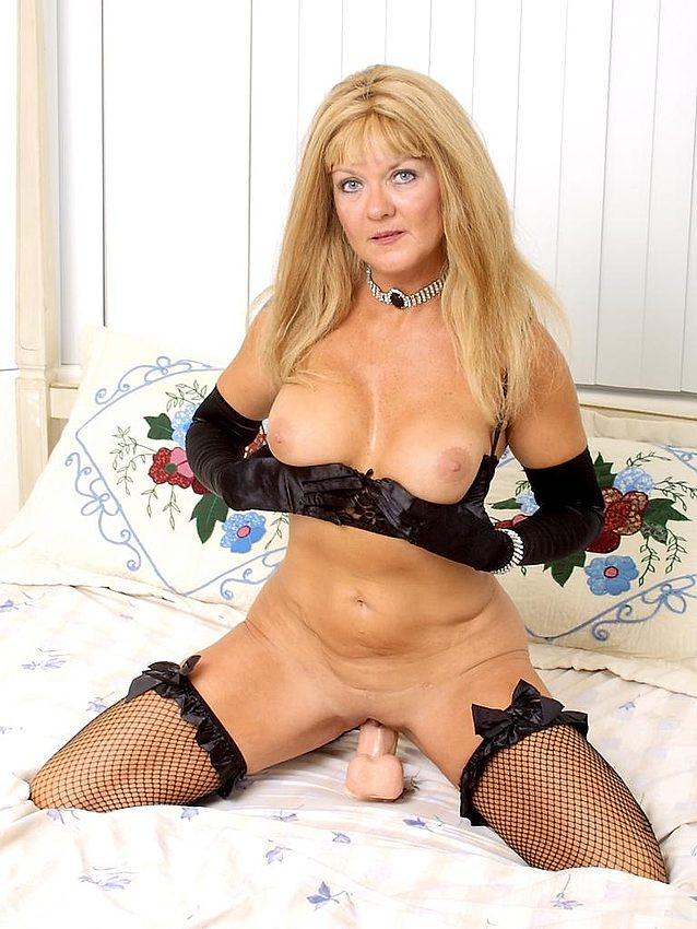 Mature women and grannies. Gallery - 336. Photo - 14