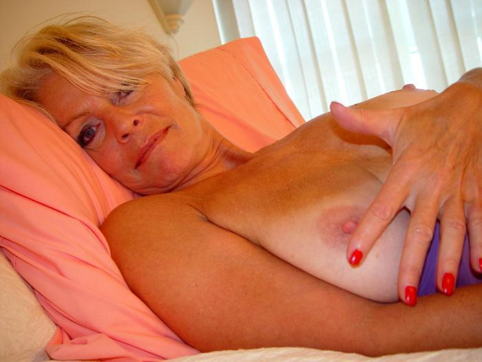 Mature women and grannies. Gallery - 338. Photo - 13