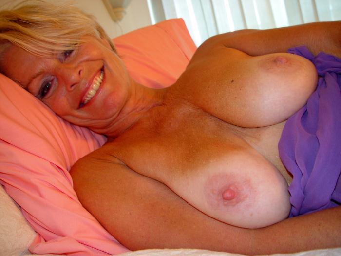 Mature women and grannies. Gallery - 338. Photo - 14