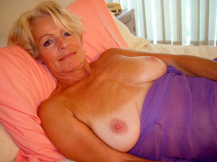 Mature women and grannies. Gallery - 338. Photo - 15