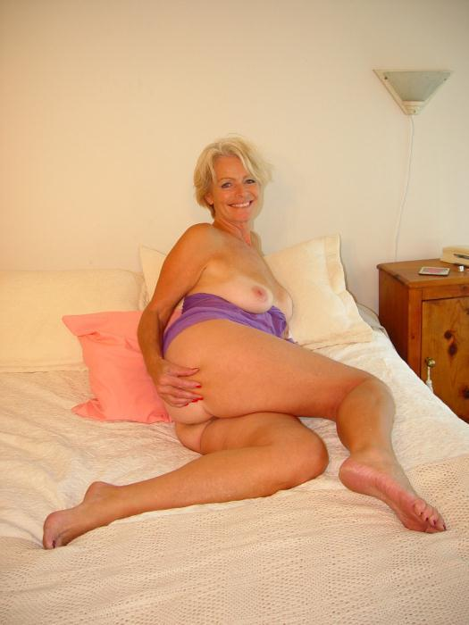 Mature women and grannies. Gallery - 338. Photo - 5
