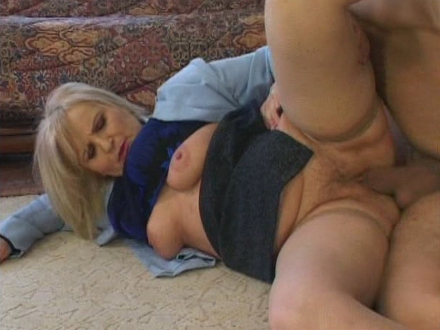 Mature women and grannies. Gallery - 341. Photo - 5