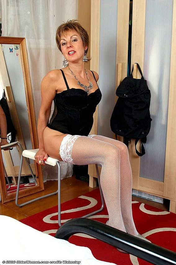 Mature women and grannies. Gallery - 342. Photo - 6