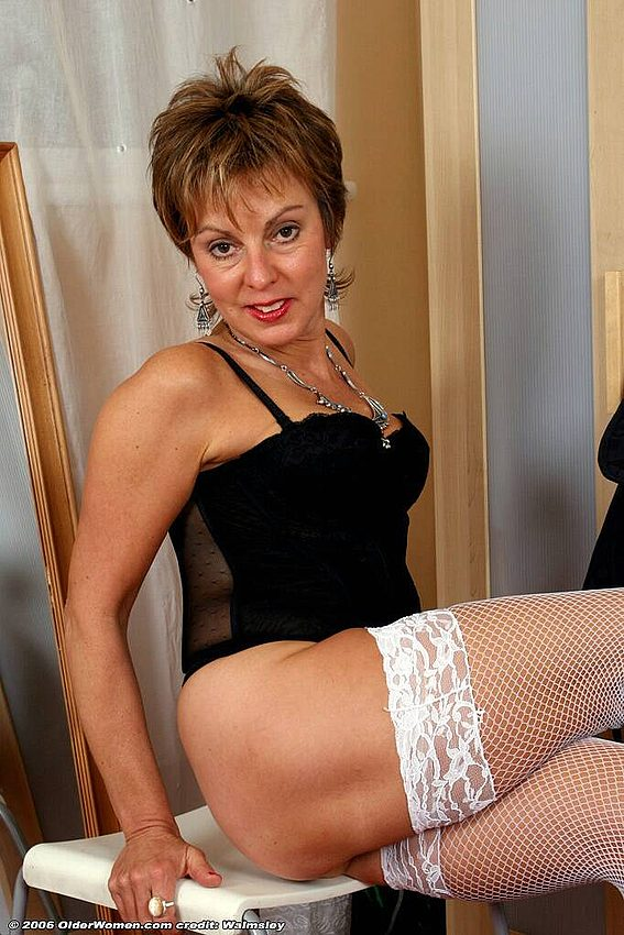 Mature women and grannies. Gallery - 342. Photo - 7