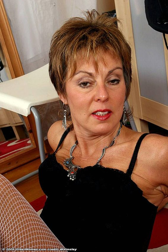 Mature women and grannies. Gallery - 342. Photo - 9