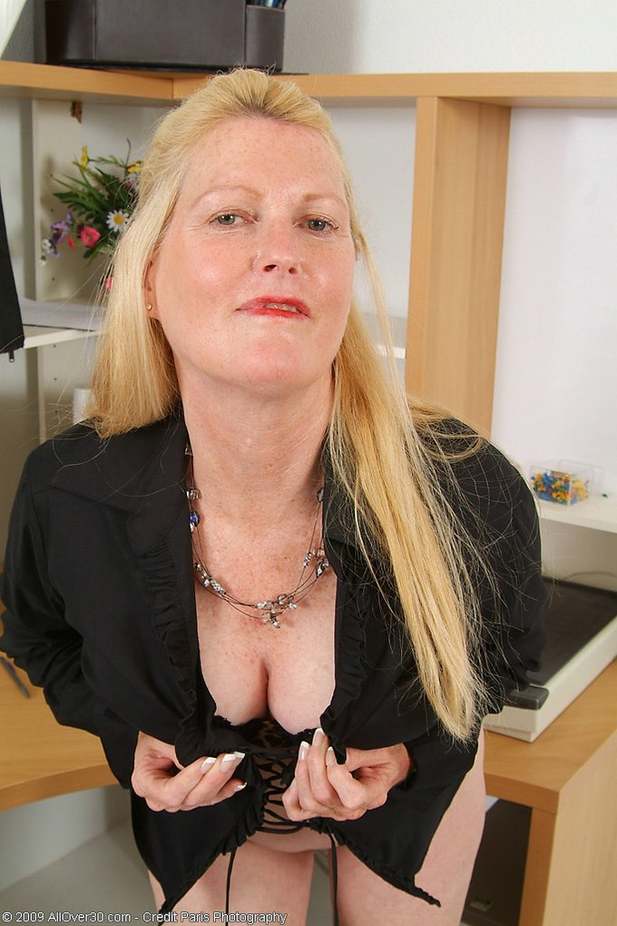 Mature women and grannies. Gallery - 343. Photo - 5