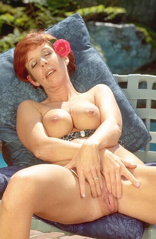 Mature women and grannies. Gallery - 345. Photo - 8