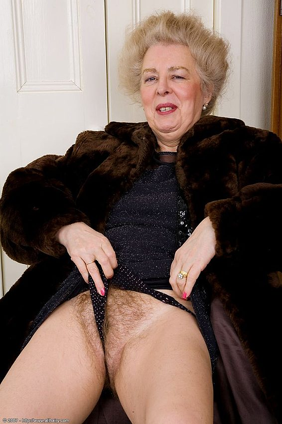 Mature women and grannies. Gallery - 348. Photo - 4