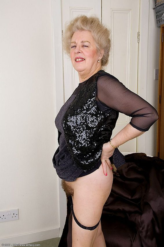Mature women and grannies. Gallery - 348. Photo - 6