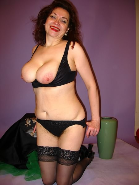 Mature women and grannies. Gallery - 349. Photo - 12