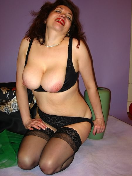 Mature women and grannies. Gallery - 349. Photo - 15