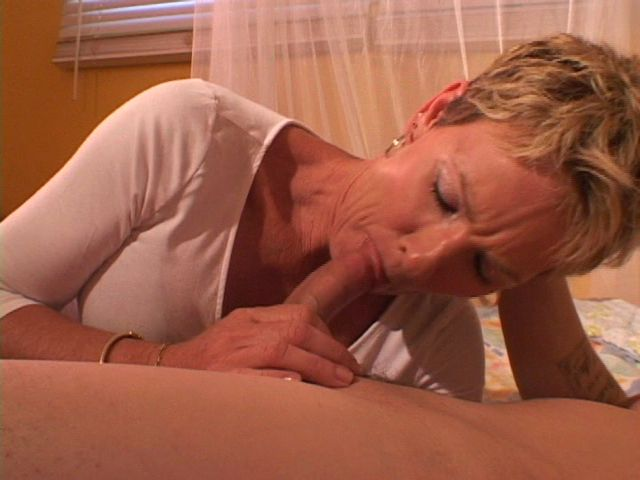 Mature women and grannies. Gallery - 355. Photo - 3