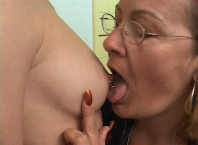 Mature women and grannies. Gallery - 356. Photo - 2