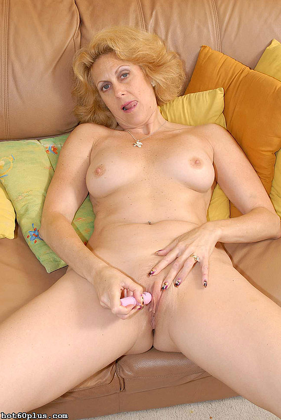 Mature women and grannies. Gallery - 358. Photo - 6