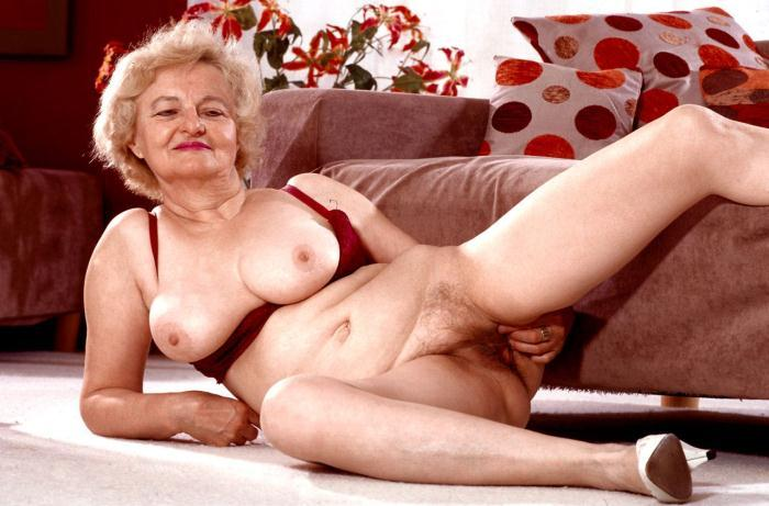 Mature women and grannies. Gallery - 359. Photo - 10