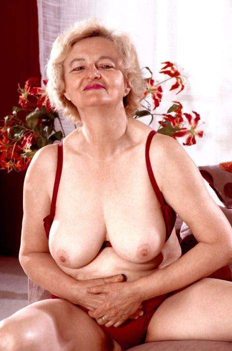 Mature women and grannies. Gallery - 359. Photo - 2