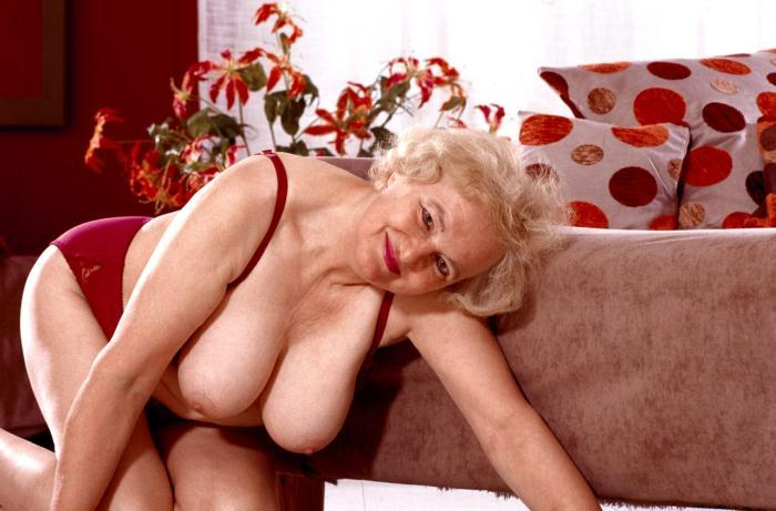 Mature women and grannies. Gallery - 359. Photo - 4