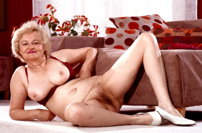 Mature women and grannies. Gallery - 359. Photo - 9