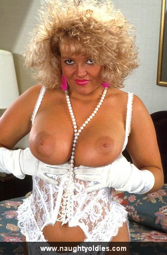 Mature women and grannies. Gallery - 365. Photo - 7