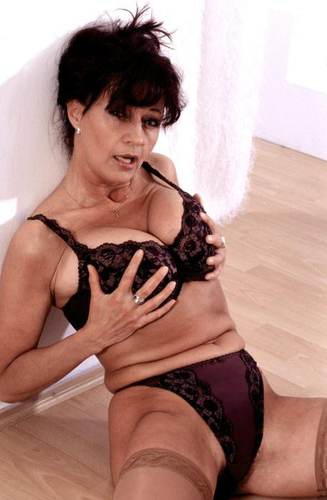 Mature women and grannies. Gallery - 366. Photo - 6