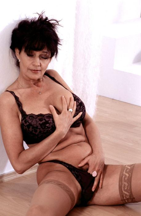 Mature women and grannies. Gallery - 366. Photo - 7
