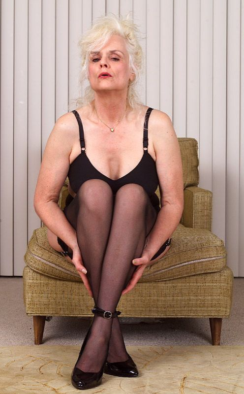 Mature women and grannies. Gallery - 367. Photo - 2