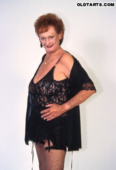Mature women and grannies. Gallery - 372. Photo - 1