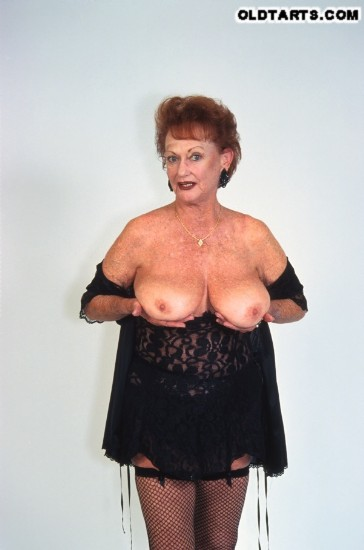 Mature women and grannies. Gallery - 372. Photo - 3
