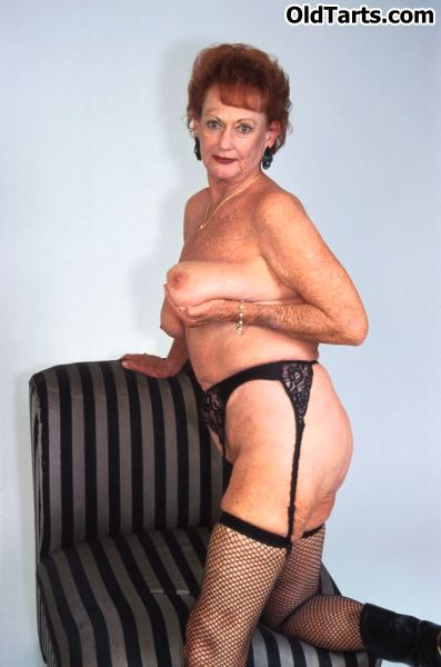 Mature women and grannies. Gallery - 372. Photo - 4