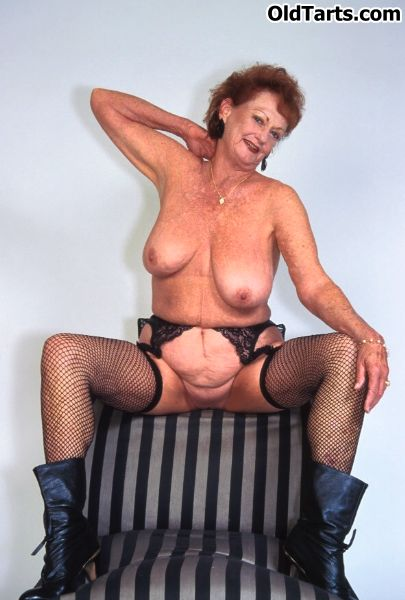Mature women and grannies. Gallery - 372. Photo - 5