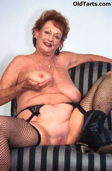 Mature women and grannies. Gallery - 372. Photo - 8