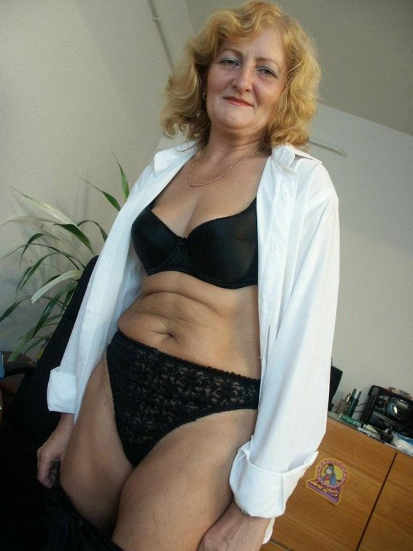 Mature women and grannies. Gallery - 374. Photo - 6